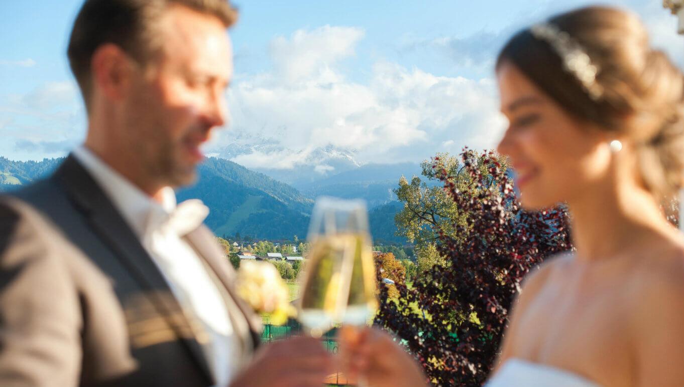 Hochzeitspaar Terrasse Garmisch