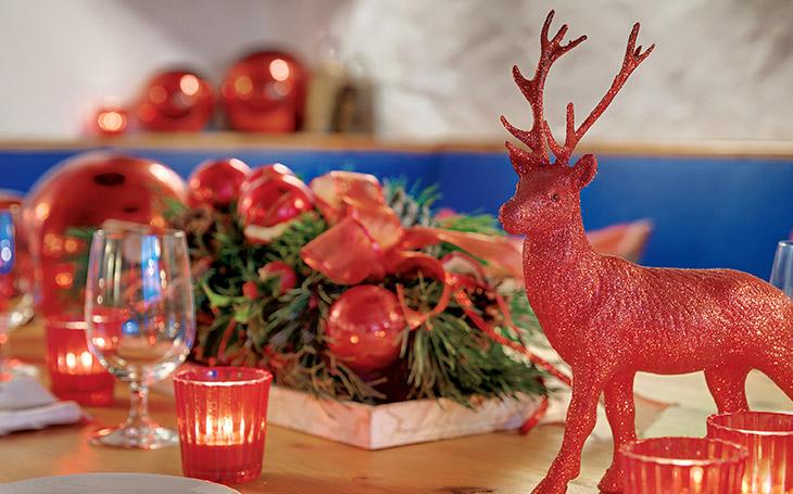 Christmas deer - Grand Hotel Sonnenbichl garmisch partenkirchen Germany
