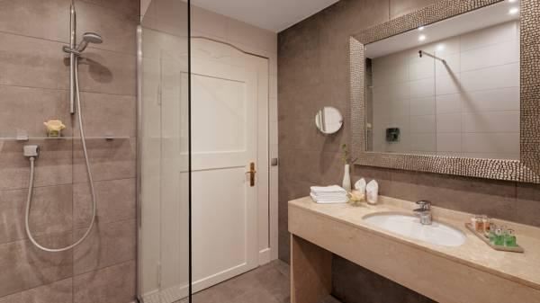 Premium Deluxe Hotel Bathroom Garmisch Partenkirchen