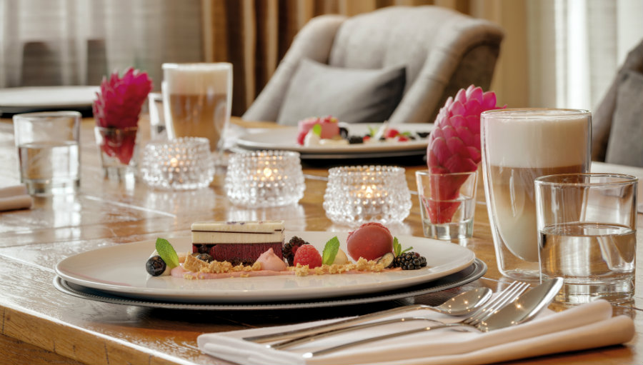 Desser Caspar B. restaurant Sonnenbichl